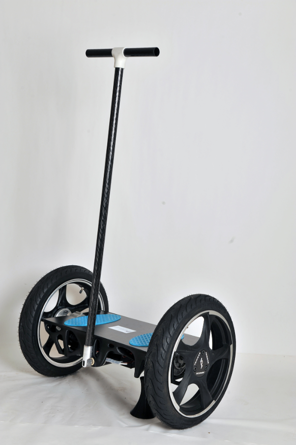 The finished self-balancing scooter designed and manufactured by the University of Applied Sciences Ravensburg-Weingarten.