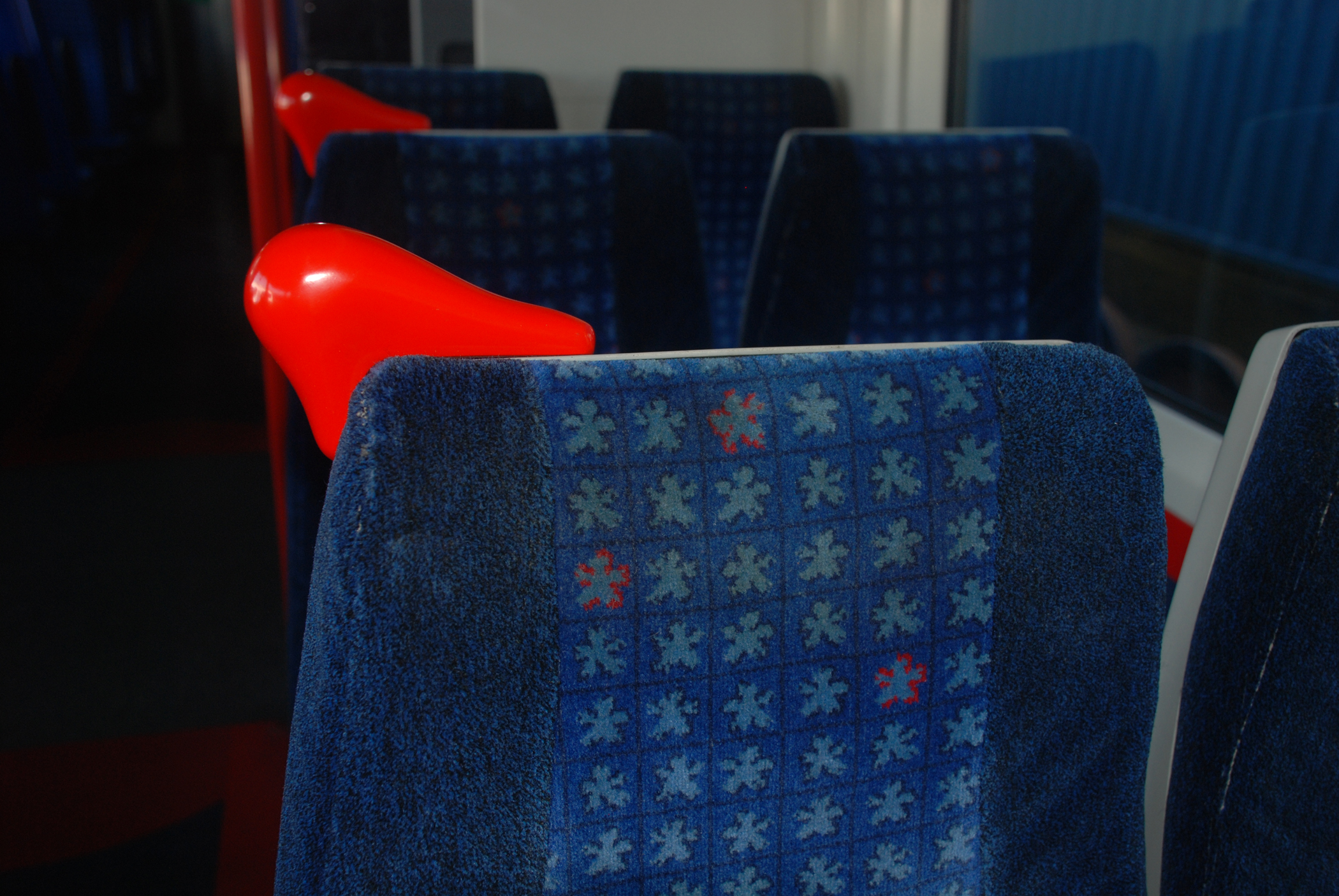 3D printed grab handles installed on a Chiltern Railways train.