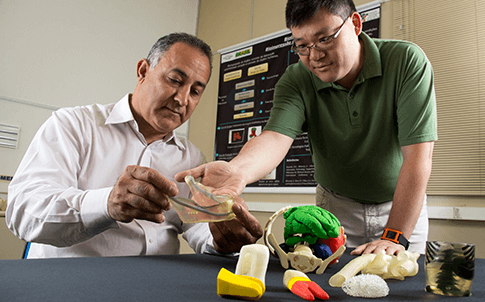 Jorge Vicente Lopes da Silva and Peter Yoshito Noritomi of Renato Archer used both FDM and PolyJet 3D printers to develop medical applications.