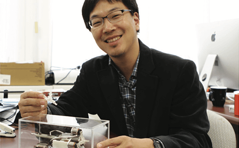 Professor Kim and researchers 3D printed prototypes of the skeleton and different smaller components of the auxiliary device, including gears, cogs, hinges and diagnostic tips.