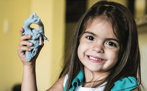 Mia's surgeon used a 3D model of her heart to reveal the best method of repair for her double aortic arch — a defect that restricted her breathing.